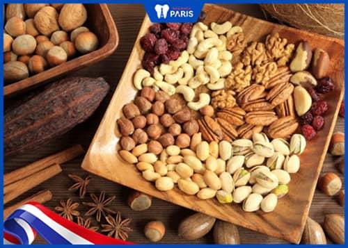 Ăn các loại hạt giúp điều trị tụt lợi