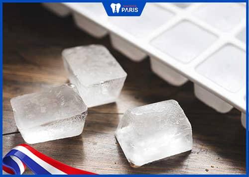 kiêng thực phẩm quá lạnh hoặc quá nóng khi bị tụt lợi