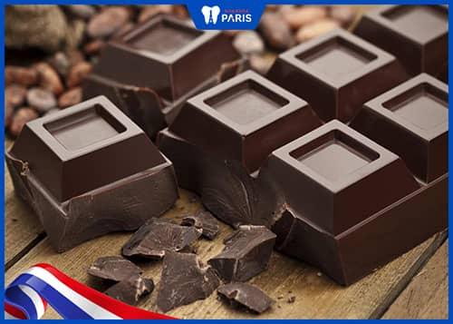 tránh ăn thực phẩm quá ngọt khi bị tụt lợi
