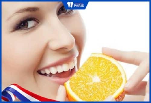 Ăn cam quýt gây ngăn hôi miệng
