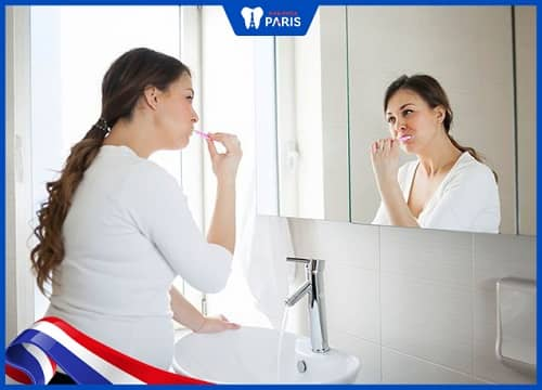 Cách chăm sóc răng hàng ngày chánh cho bà bầu bị viêm tủy răng