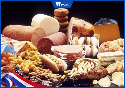 Chế độ dinh dưỡng hàng ngày cũng là 1 nguyên nhân gây viêm tủy răng ở bà bầu