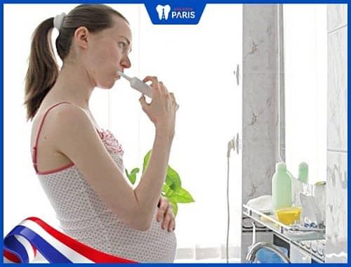 Cách trị hôi miệng cho phụ nữ mang thai tại nhà