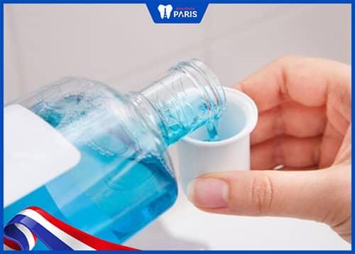 Cách vệ sinh răng miệng tránh tụt lợi khi niềng răng