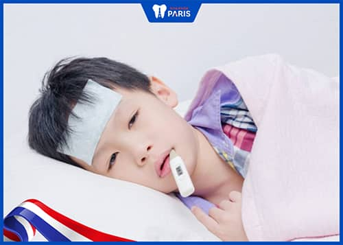 Nguyên nhân trẻ bị sốt sau khi nhổ răng sữa