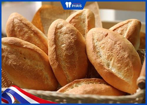 bánh mì giúp làm sạch lưỡi tốt nhất
