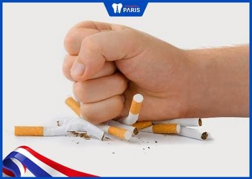 không hút thuốc để bảo vệ răng