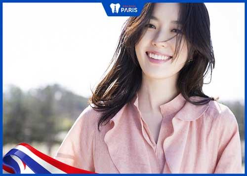 Han Hyo Joo với nụ cười tỏa nắng