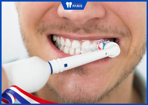 cách chăm sóc tránh nhiễm trùng sau nhổ răng