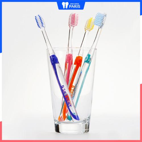 Niềng răng nên dùng bàn chải gì