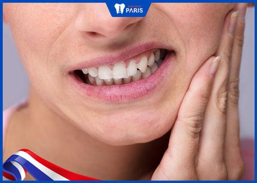 Biến chứng đau và sưng sau khi nhổ răng khôn