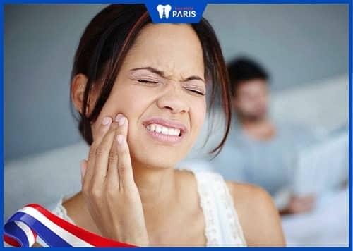 răng số 8 mọc lệch gây đau nhức
