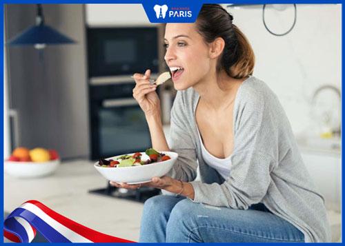 Sau khi nhổ răng nên ăn gì