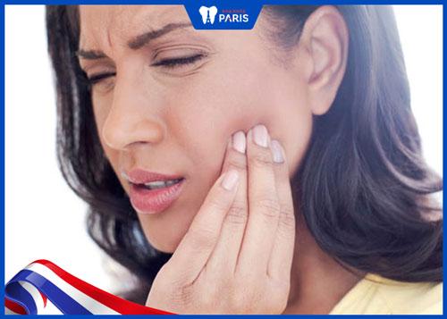 nhổ răng bị sâu có đau không