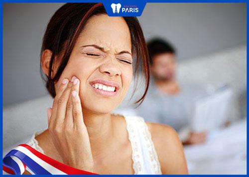 Răng cấm bị sâu nặng