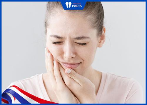 niềng răng hàm dưới có đau không