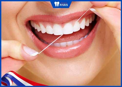hạn chế răng sứ titan bị đen