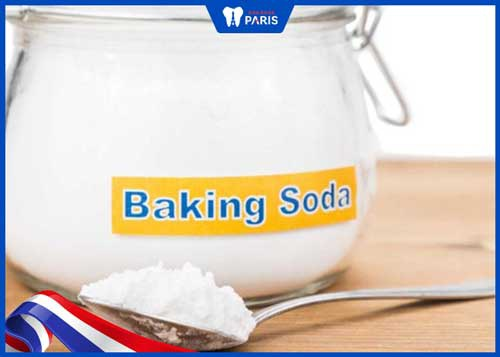làm trắng răng bằng giấm gạo và baking soda