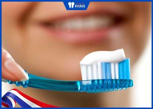 lưu ý sau khi trám răng mẻ