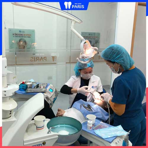 đến nha khoa khám chảy máu chân răng
