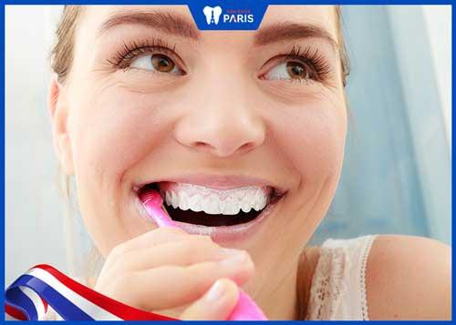 bàn chải lông mềm tránh chảy máu răng