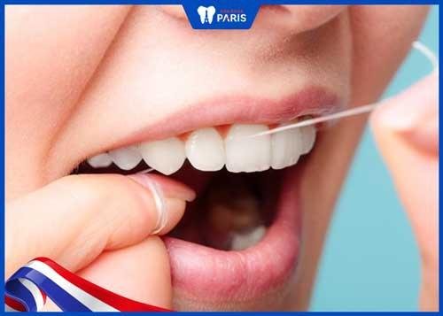 chảy máu chân răng khi đánh răng