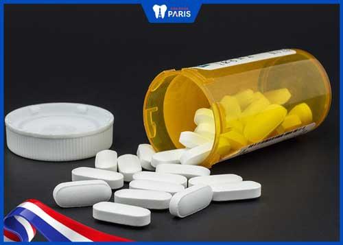 uống thuốc giảm đau khi dán veneer