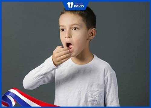 ảnh hưởng khi không cạo vôi răng cho trẻ