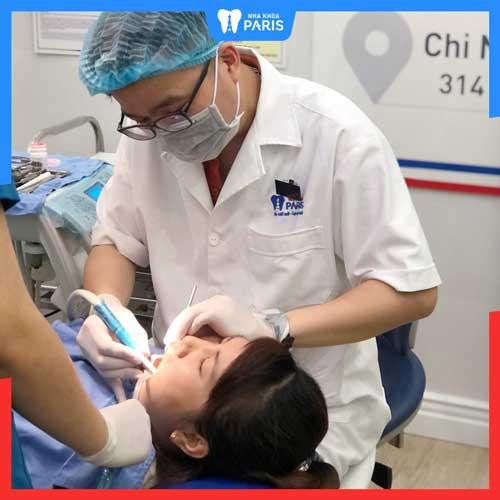chữa chảy máu chân răng sau sinh ở nha khoa