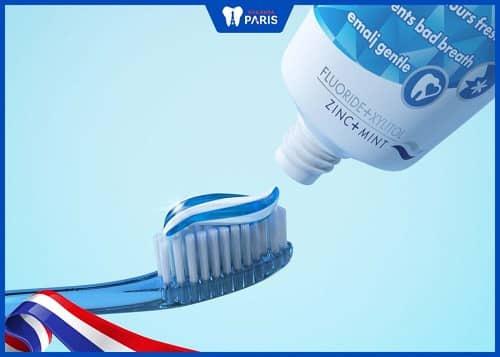 cách làm trắng răng bị ố vàng hiệu quả