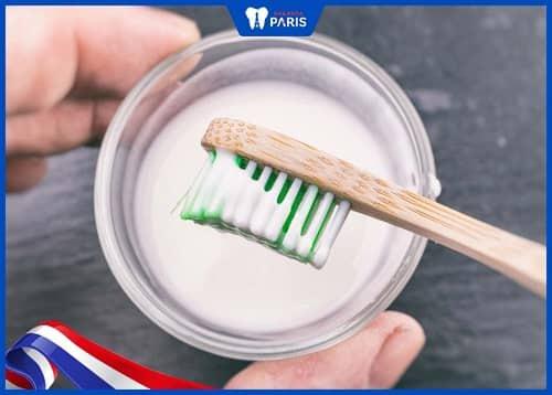 cách làm sạch răng ố vàng