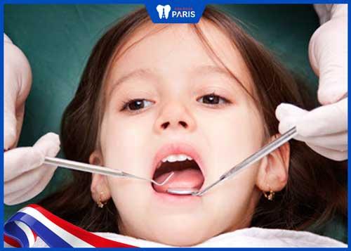có nên lấy cao răng cho trẻ