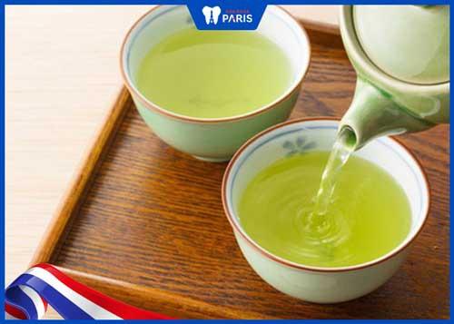 uống trà có làm vàng răng