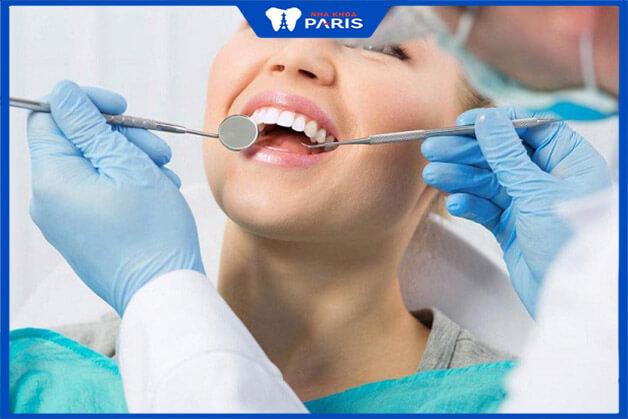 Cần thăm khám nha khoa định kì để hạn chế bệnh tiêu xương răng