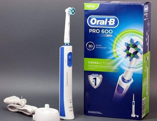 Bàn chải điện Oral-b Pro 600 3D