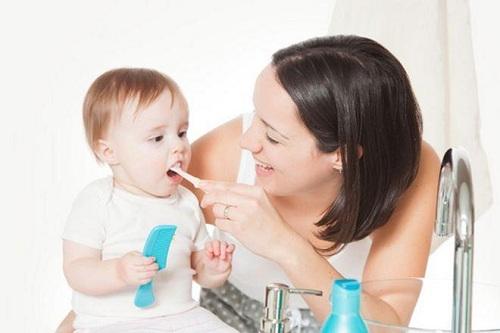 Cách chăm sóc răng miệng cho trẻ 1 tuổi