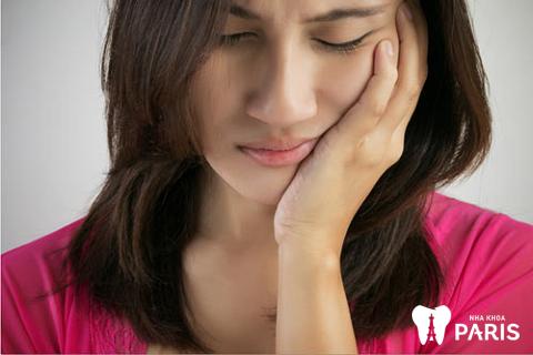 Niềng răng sai cách gây đau đớn, hóp má