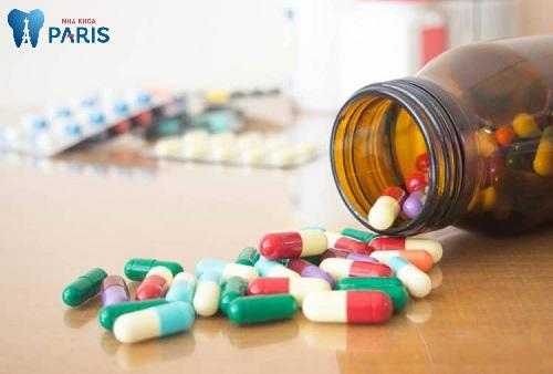 Thuốc kháng sinh điều trị viêm tủy răng tại nhà
