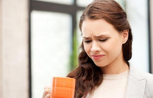 Bị đắng miệng là bệnh gì? Tại sao miệng đắng?