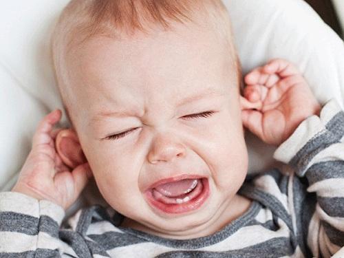 trẻ mọc răng hàm nào trước