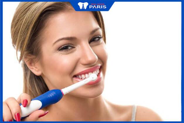 Hướng dẫn chăm sóc răng sứ Titan đúng cách